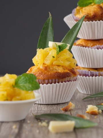 Rezept Ananas-Muffins mit weißer Schokolade und Minze