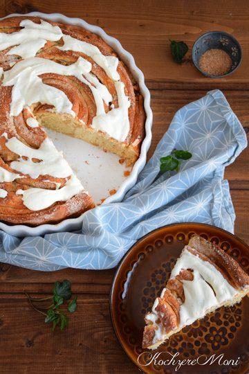 Rezept Apfel Hefeschnecke mit Zuckerkruste und Mascarponeguss