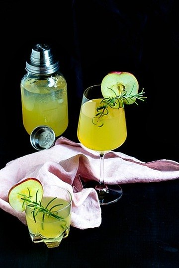 Rezept Apfel-Holunderblüten Gin Fizz