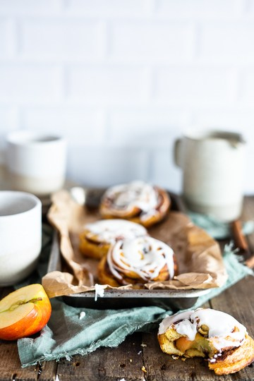 Rezept Apfel-Zimt-Schnecken mit Frischkäse Guss