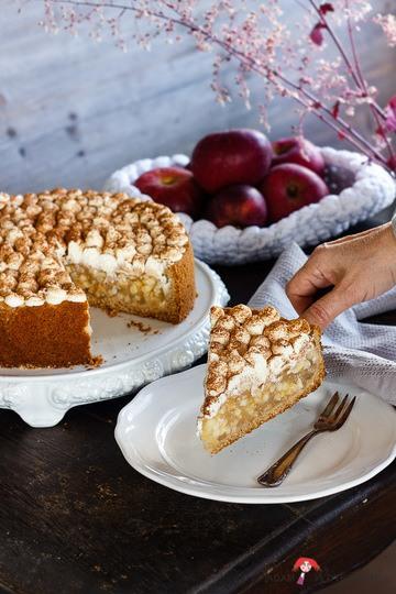 Rezept Apfelsaft-Dinkelvollkorn-Kuchen mit Zimtsahne