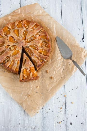 Rezept Aprikosen-Lavendel-Kuchen mit Walnüssen
