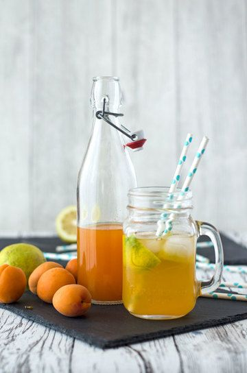 Rezept Aprikosenlimonade aus selbstgemachtem Aprikosensirup