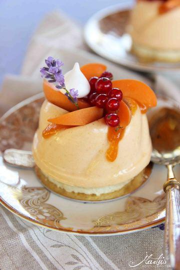 Rezept Aprikosentörtchen mit Johannisbeeren & Lavendel