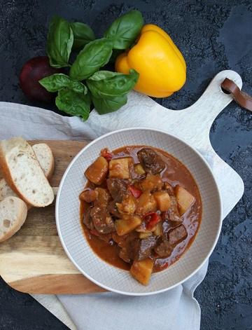 Rezept Aromatisches Kartoffel-Paprika-Gulasch