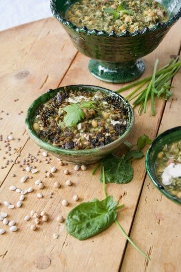 Rezept Ash-e Shole Ghalamkar - persische Bettlersuppe mit Hülsenfrüchte und frische Kräuter