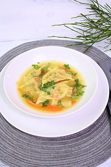 Rezept Asiatische Hühnersuppe mit Wan Tan
