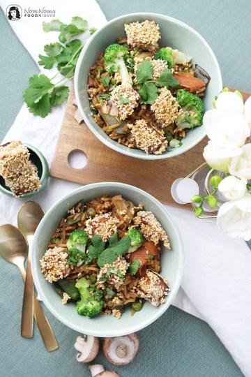 Rezept Asiatische Reispfanne mit knusprig gebratenem Sesam-Tofu