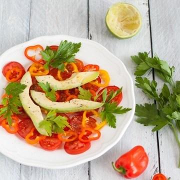 Rezept Avocado-Tomaten-Salat mit Babypaprika