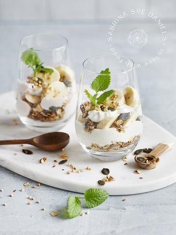 Rezept Bananen-Dessert mit Skyr und Kürbiskern Granola