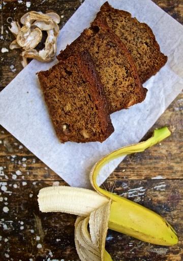 Rezept Bananenbrot mit Erdnüssen und weißer Schokolade