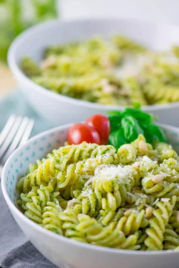 Rezept Basilikum Pesto Pasta mit Pinienkernen