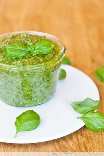 Rezept Basilikum-Pesto {pesto alla genovese}