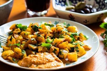 Rezept Batata Harra: Scharfe Bratkartoffeln