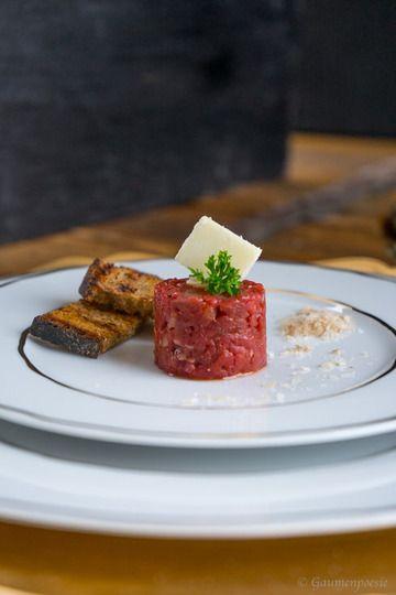 Rezept Beef Tatar mit Trüffelöl und gerösteten Schwarzbrot Scheibchen