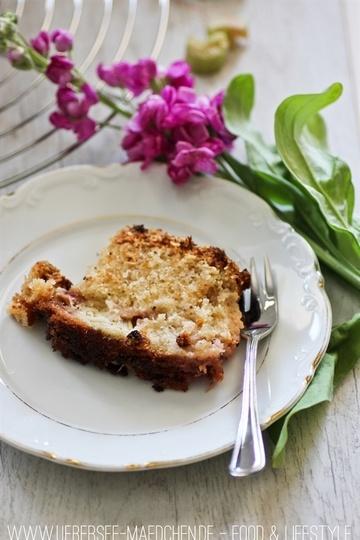 Rezept Bester Rührkuchen mit Rhabarber und Streuseln