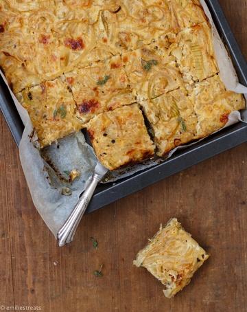Rezept Bester und allseits geliebter Zwiebelkuchen mit Vollkornteig (vegetarisch)