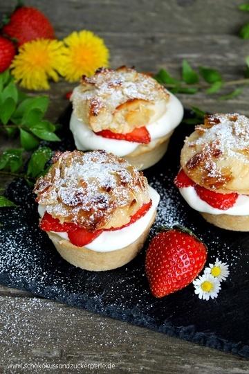 Rezept Bienenstichmuffins mit Vanillecreme und Erdbeeren