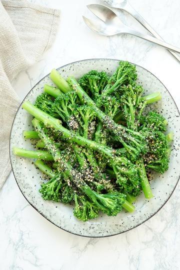 Rezept Bimi mit Sesam – eine vegetarische Beilage für Feinschmecker