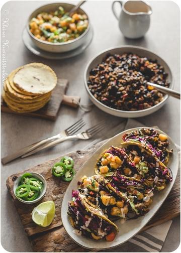 Rezept Black-Bean-Tacos mit Rotkohl-Slaw und Winter-Salsa