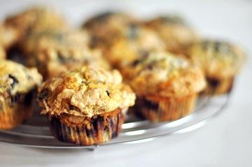 Rezept Blaubeer-Zitronen-Muffins mit Zimtstreuseln