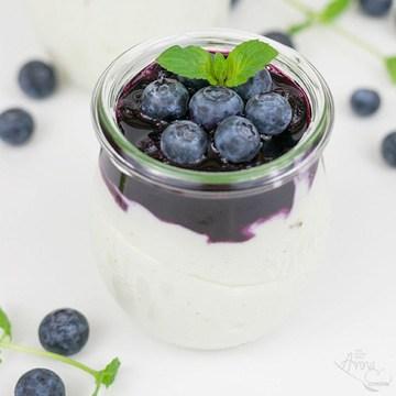 Rezept Blaubeeren auf Zitronen-Joghurt-Creme