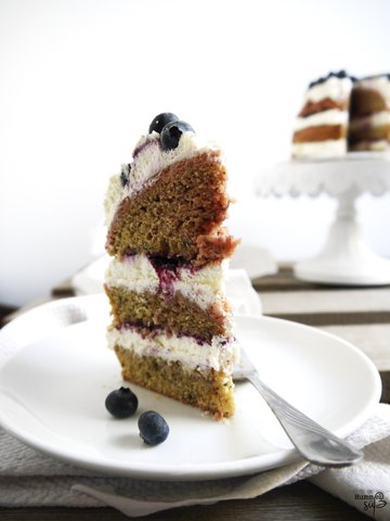 Rezept Blueberry Layer Cake, mit Rote Beete und Mohn