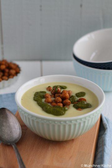 Rezept Blumenkohl-Kartoffel-Suppe mit Korianderpesto