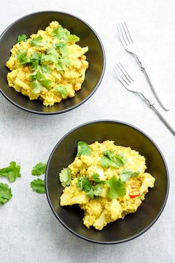 Rezept Blumenkohl und Kichererbsen Curry mit Hirse (One Pot Rezept)