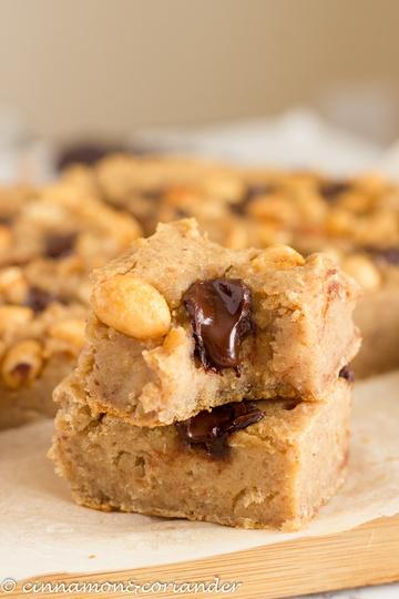 Rezept Bohnen Blondies mit Erdnussbutter & Schokolade