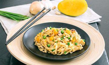 Rezept Breite Reisnudeln mit Mango & Nuss