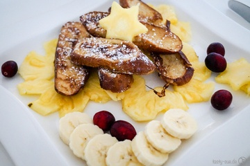 Rezept Brez'n French Toast auf Ananas-Carpaccio