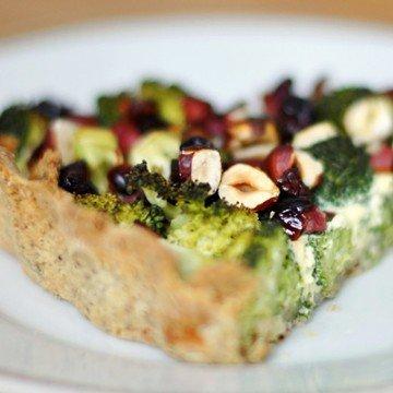 Rezept Brokkoli-Haselnuss-Quiche mit Cranberries und Schinken