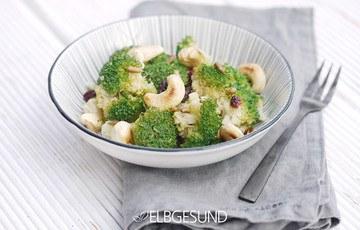 Rezept Brokkoli-Mania – köstlicher wärmender Salat mit Cashews und Cranberrys