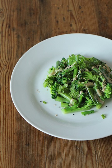 Rezept Brokkoli-Salat mit Tahini-Dressing