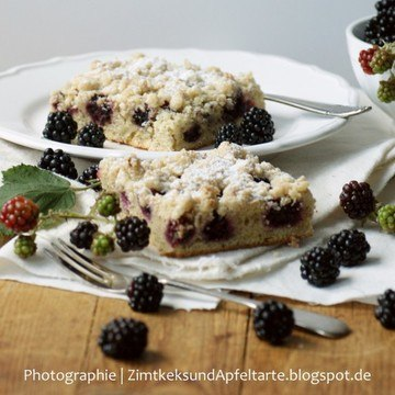 Rezept Brombeer-Mandelkuchen mit Vanille-Mandel-Streuseln
