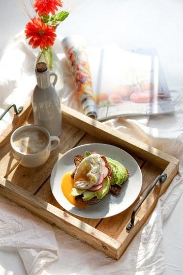 Rezept Brot mit Avocado und pochiertem Ei – das perfekte Frühstück