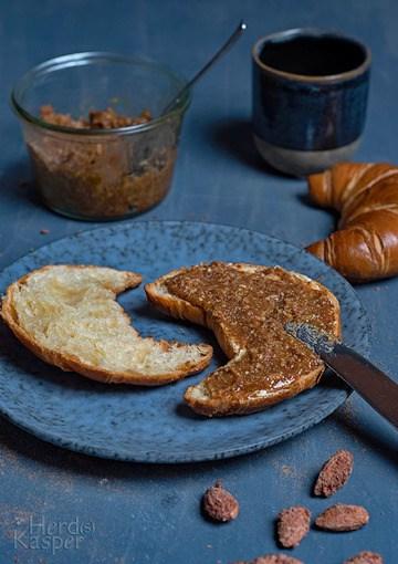 Rezept Brotaufstrich mit gebrannten Mandeln