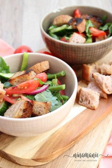 Rezept Brotsalat mit Tomaten und Bohnen