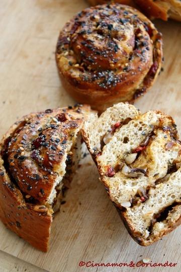 Rezept Brotschnecken mit Knoblauch, Paprika & Za`atar