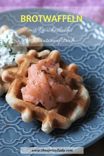 Rezept Brotwaffeln mit Räucherlachs und Kräuteraufstrich