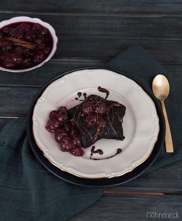 Rezept Brownie-Sterne mit Gewürzkirschen