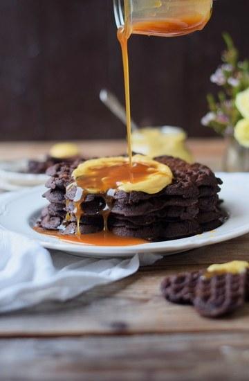Rezept Brownie Waffeln, Karamell-Pudding & Sauce