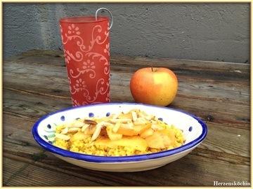 Rezept Bulgur mit gebratenen Äpfel und gerösteten Mandeln