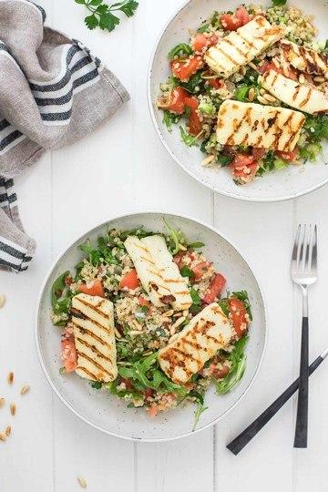 Rezept Bulgur-Salat mit Halloumi und Zitronen-Kapern-Dressing