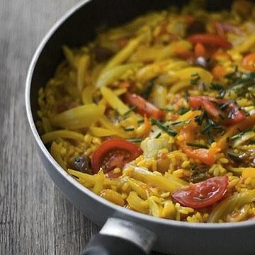 Rezept Bunte Gemüsepaella mit Artischocken und Oliven