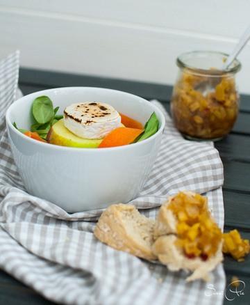 Rezept Bunter Feldsalat mit karamellisierten Ziegenkäse & Apfelchutney