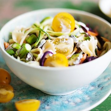Rezept Bunter Gemüse Nudelsalat mit Gewürzquark