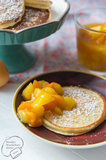 Rezept Buttermilch-Pancakes mit Fruchtkompott