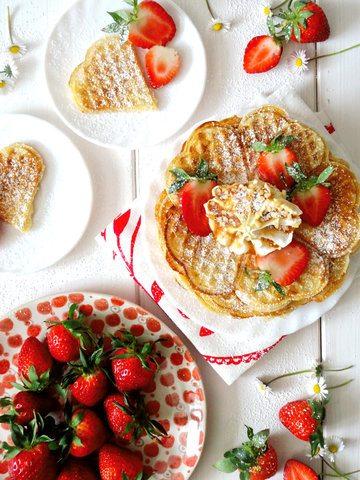 Rezept Buttermilch Waffeln mit Erdbeeren